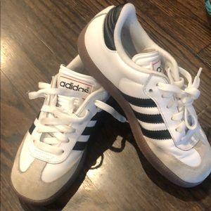 Adidas samba sneakers sz 3.5 big kids